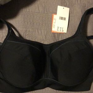 Black Chantelle sports bra. 32DD.